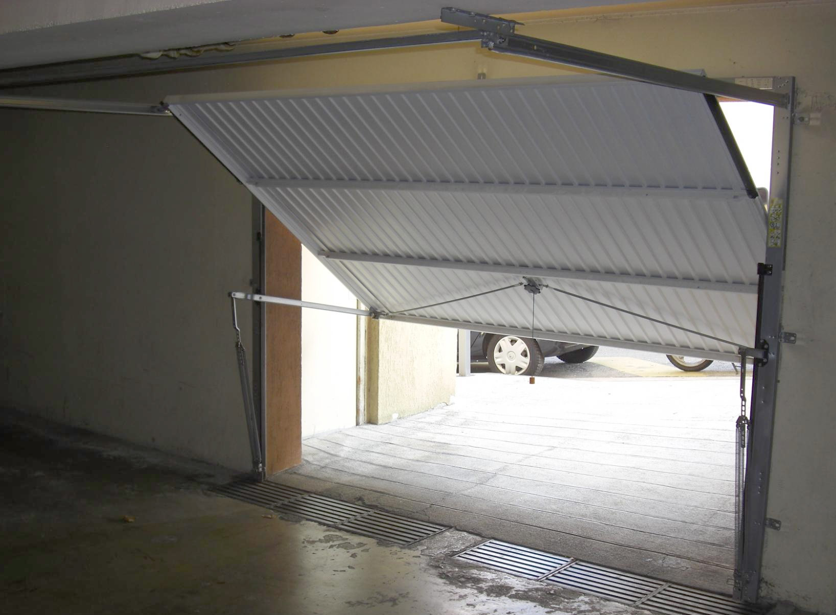 Dimension porte de garage basculante latest with - Porte de garage basculante avec portillon hormann ...